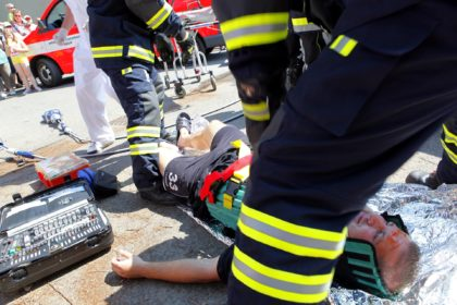 What to do if you see a car accident - EMS arrives