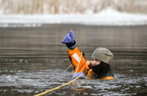 how to survive winter extreme cold drive on ice
