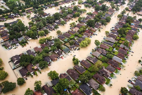 Water contamination during hurricane flooding